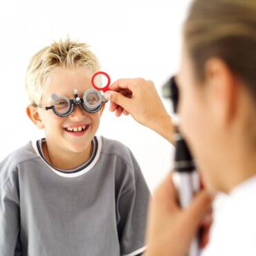 Kako prepoznati simptome lošeg vida kod djece?